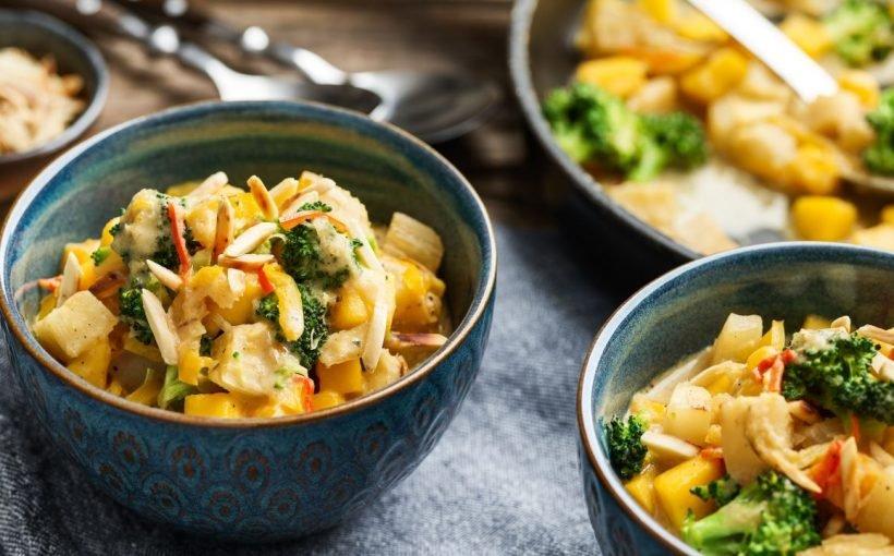 Maniok-Curry mit Brokkoli und Mango