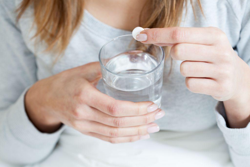 Wer andauernd zur Aspirin greift erhöht die Gefahr auf innere Blutungen