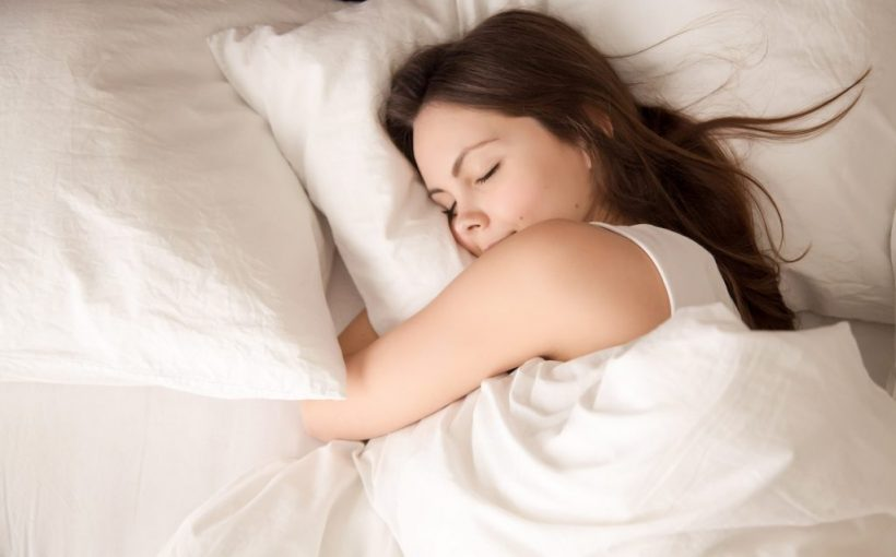 Schlafmangel: So massiv können sich weniger als sechs Stunden Schlaf auswirken!