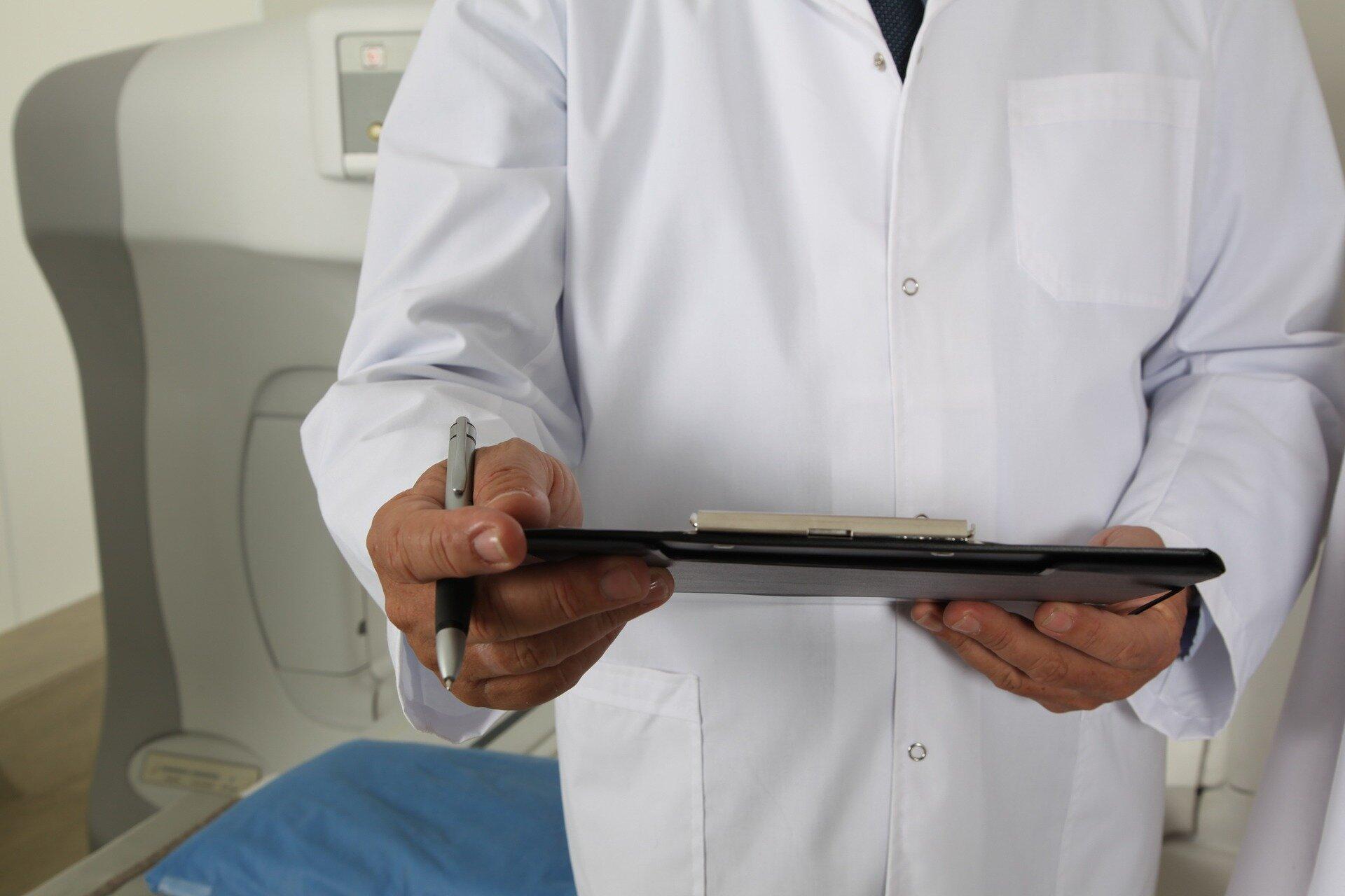 """Vertrauen auf tech, tägliche Belastung verursachen """" professionelle Einsamkeit im Gesundheitswesen"""