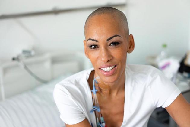 Blutkrebspatientin findet keinen Spender, weil ihr Vater aus Nigeria stammt