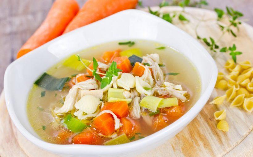 Hausmittel: Wieso hilft Hühnersuppe bei Erkältung?