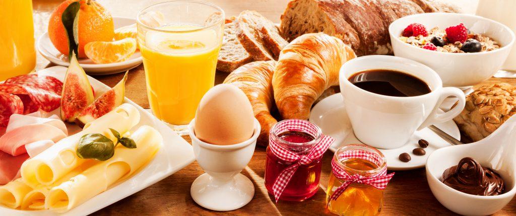 Neue Diät-Studie: Ohne Frühstück sollen wir doch besser abnehmen!