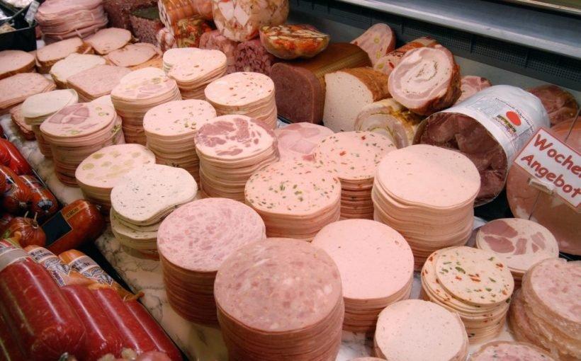 Aktueller Aldi-Rückruf: Ernste Erkrankungen drohen durch Bakterien in Wurst-Ware