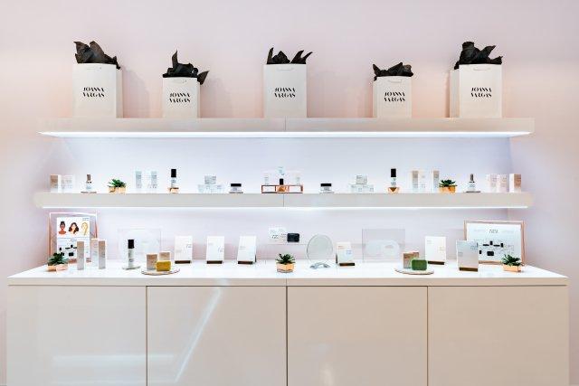 Joanna Vargas Ihren Neuen Salon-und Ausbau In den Körper Kategorie