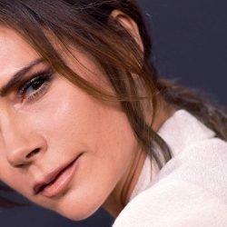 Die Genaue Hautpflege-Produkte Victoria Beckham Nutzt Jeden Tag für strahlende Haut