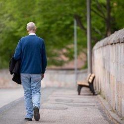 Wolfgang (72) möchte trinken: Alkoholkranke Senioren überfordern Pflegeheime