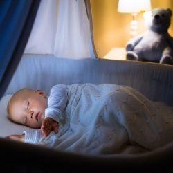 Hohes Risiko Elternbett: Die meisten Säuglinge versterben im Schlaf