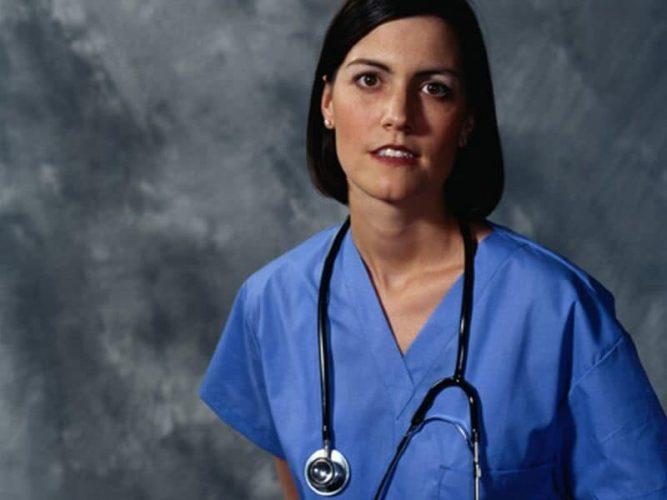 Häuslichen Pflichten gebunden zu Arzt Mütter Zufriedenheit