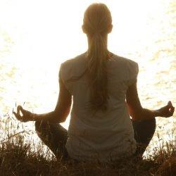 Yoga verbessert die Gesundheit im späteren Leben, sagt Studie