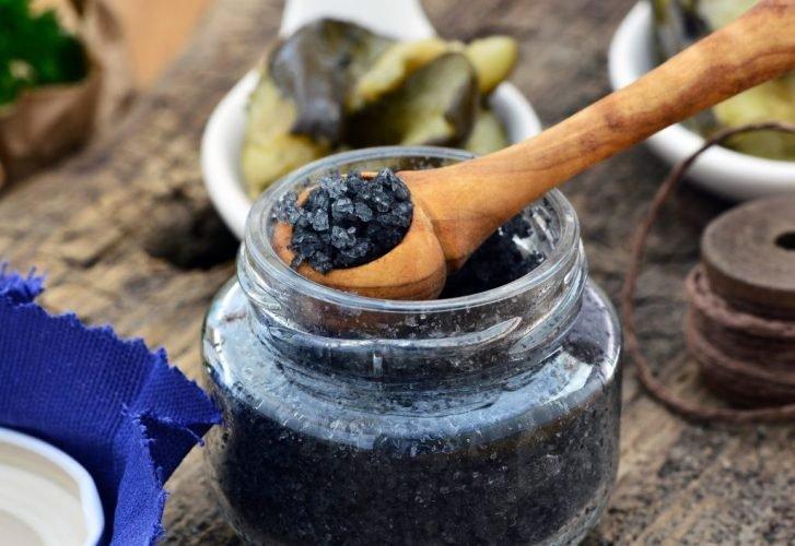 Schwarzes Salz - Wirkung, Anwendung und Rezepte