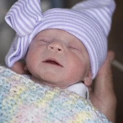 In UNS zuerst, baby ist geboren aus den Toten Spenders transplantiert Gebärmutter