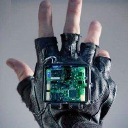Forscher bauen Handschuh zur Behandlung der Symptome von Schlaganfall