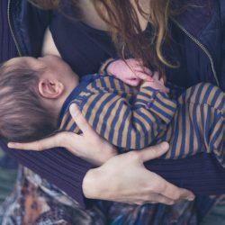 Mütter im Gefängnis sind oder deren Babys sind in der Pflege brauchen, das stillen zu unterstützen
