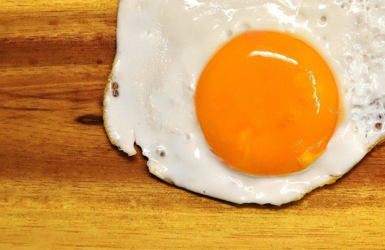 Ernährung die Forscher sagen, dass der Verzehr von Eiern bedeutet nicht, dass höhere gesättigte Fettaufnahme