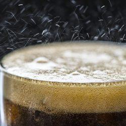 Besteuerung von gesüßten Getränken durch die Menge an Zucker schneiden könnten übergewicht und Stärkung der wirtschaftlichen Gewinne