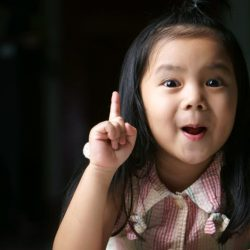 Ihr kindergartenkind ist Vergesslichkeit ist nicht schlecht Verhalten und nörgeln Sie nicht helfen
