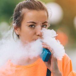 Erster Einsatz von aromatisiertem Tabak verbunden mit der anschließenden Nutzung