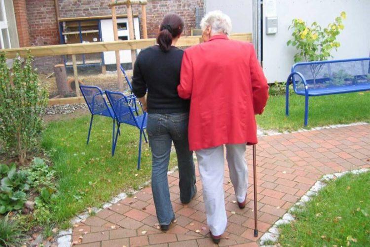 Alzheimer-Krankheit, die Auswirkungen von Frauen in höheren zahlen und verschiedene Möglichkeiten