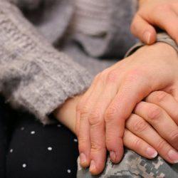 MDMA-unterstützte Paartherapie: Wie ein psychedelischer ist die Verbesserung der Intimität und Heilung von PTBS