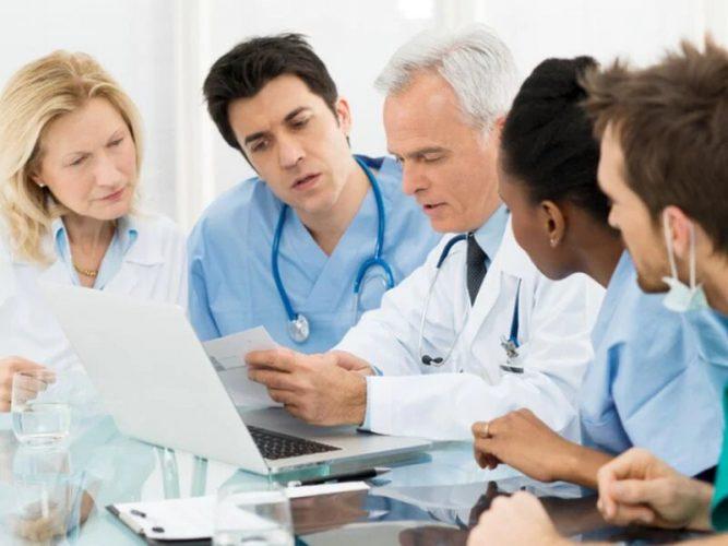 US-primary-care-ärzte stehen vor Herausforderungen in der Koordinierung der Versorgung