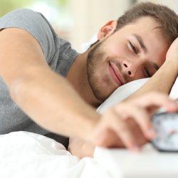 Angenehmer Weckton macht morgens schneller wach