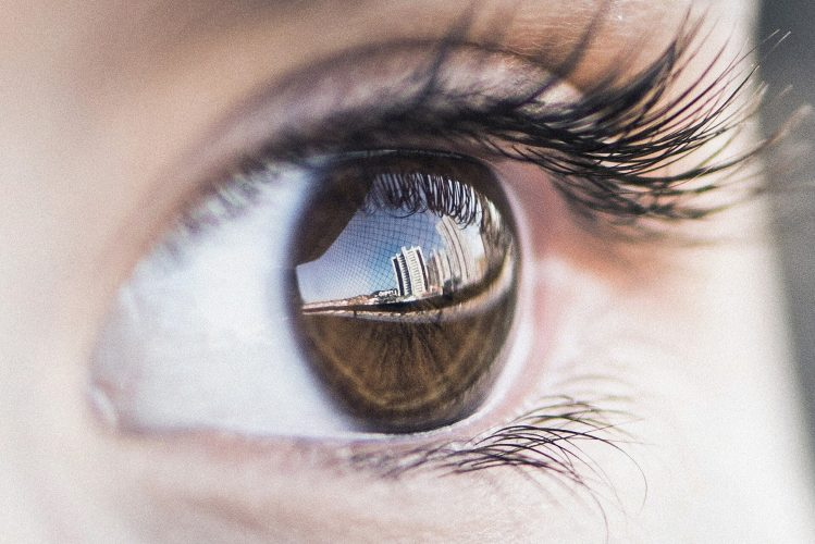Mikroskopische Augenbewegungen entscheidend für 20/20 vision