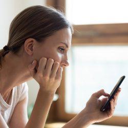 Soziale Netzwerke: Weniger macht glücklich