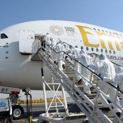 Emirates Airlines suspendiert Flüge, Dutzende weitere Städte