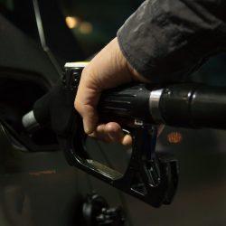Experten nennen für die Gesundheit und das Klima ändern Warnhinweise auf Benzin Pumpen