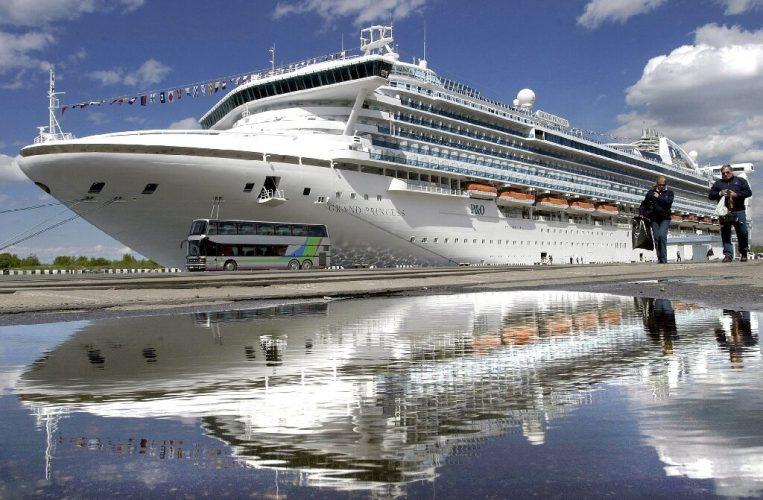 Tausende statt auf Kreuzfahrt-Schiff von Kalifornien über coronavirus ängste