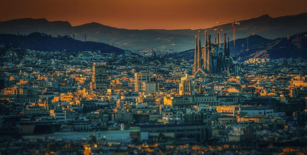 Spanien Todesopfer trifft 9,053 als virus Fällen passieren 100,000