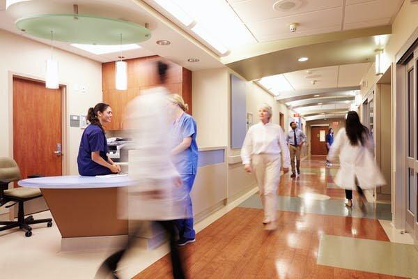 Die elektiven Operationen werden dürfen in australischen Krankenhäusern nun? Das hängt davon ab,