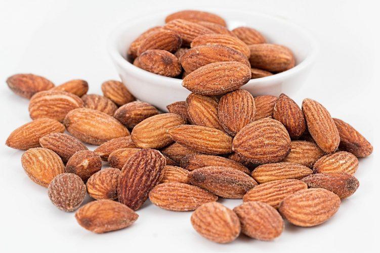 Essen Mandeln Verbesserung der Kreislauf-Gesundheit, Studie findet