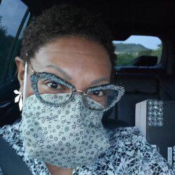 Diese Krankenschwester hat nicht nur einen entsprechenden Ersatz zu schaffen N95-Maske—hers besser funktioniert