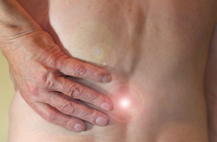 Neue Therapie lindert chronische Schmerzen im unteren Rücken in großen internationalen Studie
