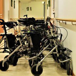 COVID-19-Zusammenarbeit reduziert Infektionen in langzeitpflegeeinrichtungen