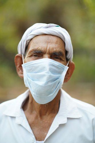Weit verbreitet Gesichtsmaske verwenden könnte schrumpfen die 'R' ist die Anzahl und verhindern, dass eine zweite COVID-19 wave: Studie