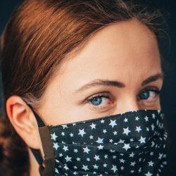 Gesichts-Maske verwenden kann, mindern die Ausbreitung von COVID-19
